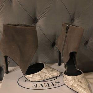 New Steve Madden snake  skin heels